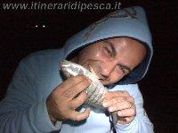 Pesco a Polignano a Mare e mi diverto.